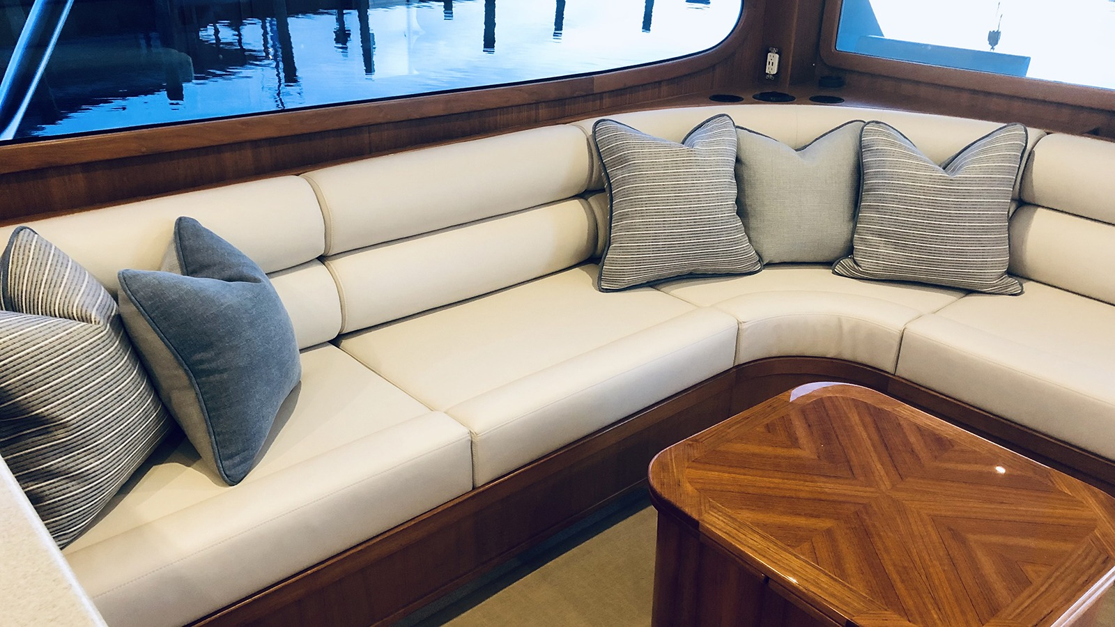 Tighten Up Sectional with Coffee Table